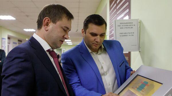 Председатель Воронежской областной думы Владимир Нетёсов во время посещения городской поликлиники №3 облцентра