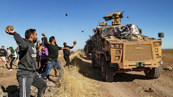Курдские демонстранты в провинции Эль-Хасака