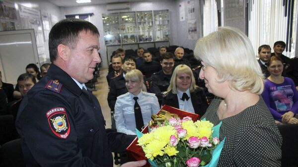 В Отделе МВД России по Нефтекумскому городскому округу  вручили благодарность учителю начальных классов городской школы №3 Марии Аксакаловой