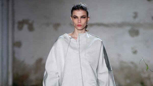 Показ коллекции Jil Sander осень-зима 2019-20 на Неделе моды в Милане