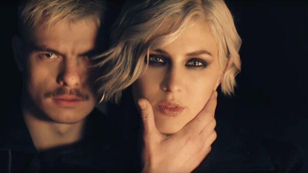 Стоп-кадр музыкального клипа Don't Stop (Hellcat Story Episode 2)  украинской певицы Анны Корсун (MARUV)