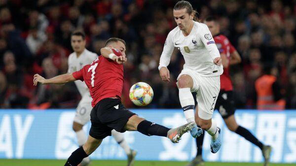 Игровой момент матча Албания - Франция