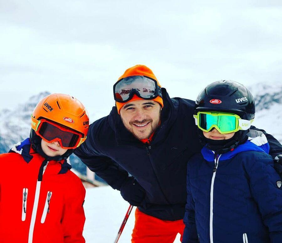 Эмин Агаларов с детьми Али и Микаилом в Санкт-Мориц, Швейцария