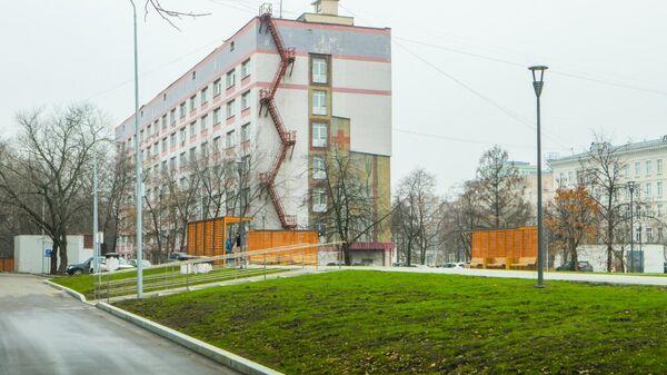 Благоустройство территории больницы имени В.П. Демихова на юго-востоке Москвы