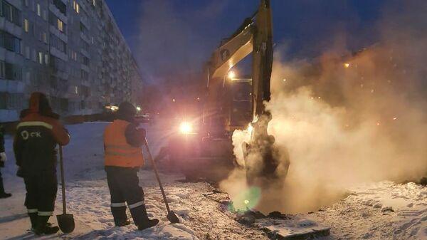 Авария на теплотрассе в Новосибирске
