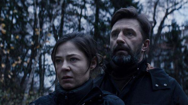 Кадр из фильма Тварь