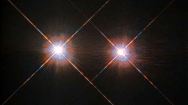 Снимок двойной звездной системы Альфа Центавра, сделанный космическим телескопом Хаббл