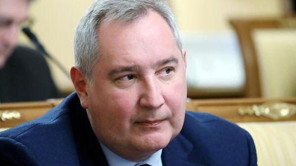 Генеральный директор Государственной корпорации по космической деятельности Роскосмос Дмитрий Рогозин на заседании правительства РФ
