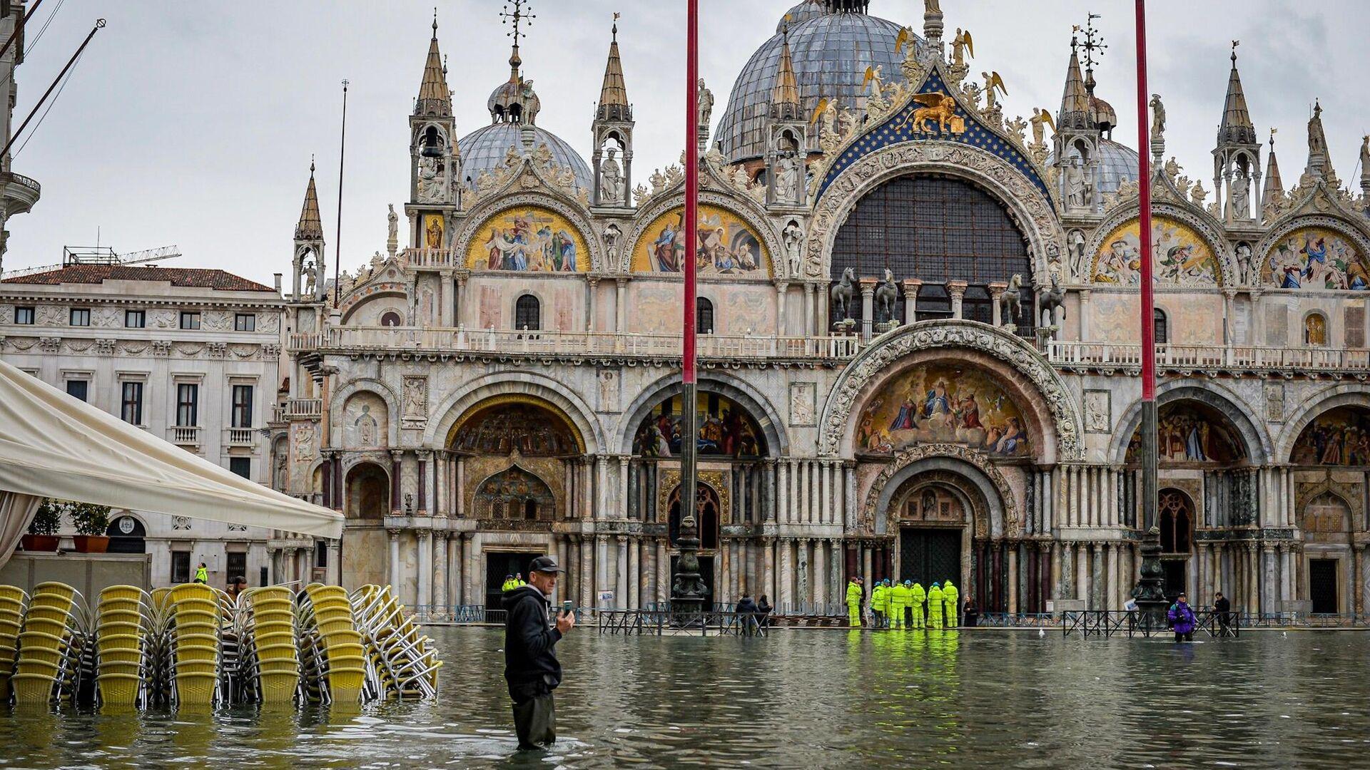 На площади Сан-Марко в Венеции во время наводнения - РИА Новости, 1920, 27.12.2019