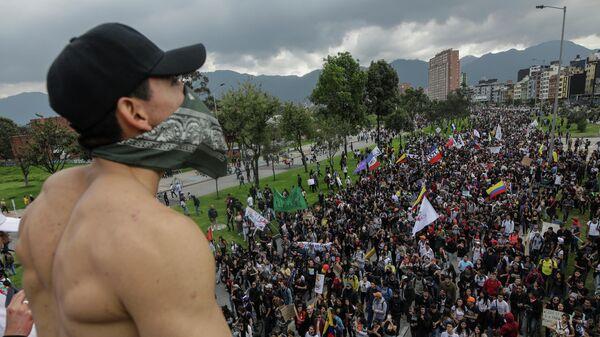 Антиправительственная демонстрация в Боготе, Колумбия. 21 ноября 2019
