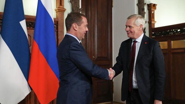 Председатель правительства РФ Дмитрий Медведев и премьер-министр Финляндии Антти Ринне во время встречи в Доме приемов правительства РФ. 25 ноября 2019