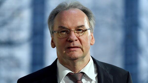 Премьер-министр восточно-германской земли Саксония-Анхальт Райнер Хазелоф