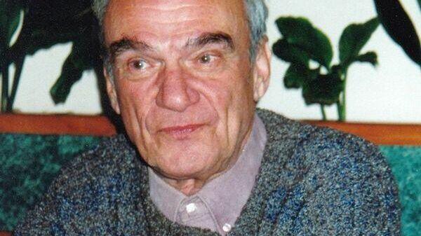 Писатель Михаил Хейфец