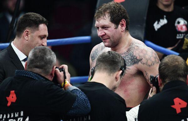 Александр Емельяненко после поединка против Михаила Кокляева