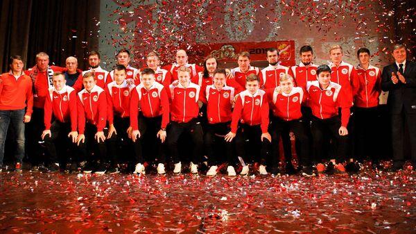 Участники праздничного концерта в честь 110-ти лет со дня основания ФК Знамя Труда
