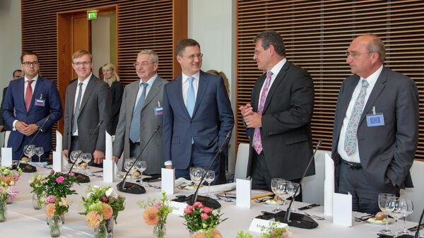 Министр энергетики РФ Александр Новак на трехсторонних переговорах России, Украины и Еврокомиссии по транзиту газа