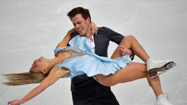 Виктория Синицына и Никита Кацалапов на тренировке перед соревнованиями танцевальных дуэтов в финале Гран-при по фигурному катанию сезона 2019-2020 в Турине
