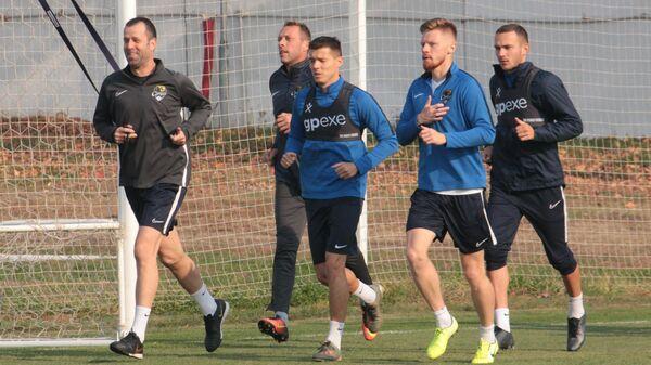 Тренировка футбольного клуба Сочи