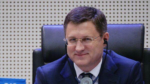 Министр энергетики РФ Александр Новак на заседании стран-участниц соглашения о сокращении добычи нефти ОПЕК+ в Вене