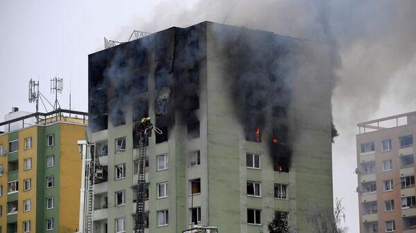 Пожар в результате взрыв газа в жилом доме в городе Прешов в Словакии