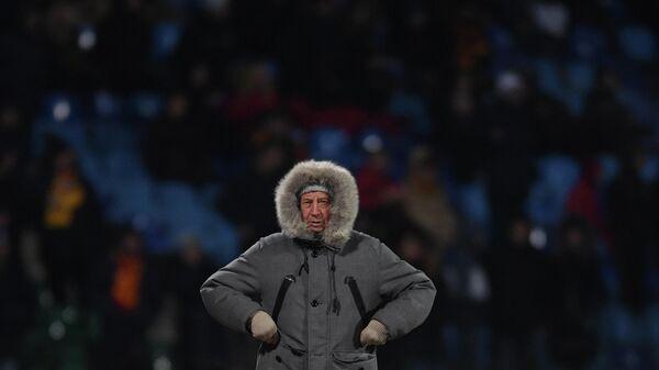 Главный тренер ФК Локомотив Юрий Семин