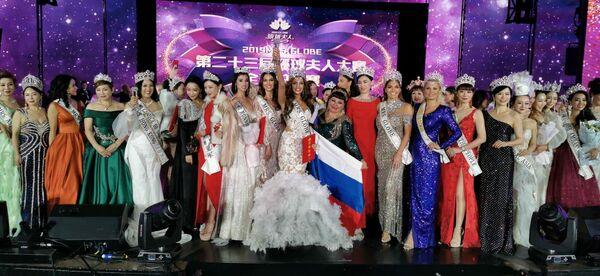 37-летняя россиянка Ксения Кривко стала победительницей конкурса красоты Миссис Земной шар – 2020