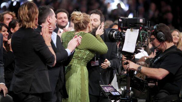Певица Адель на ежегодной премии Грэмми в Лос-Анджелесе