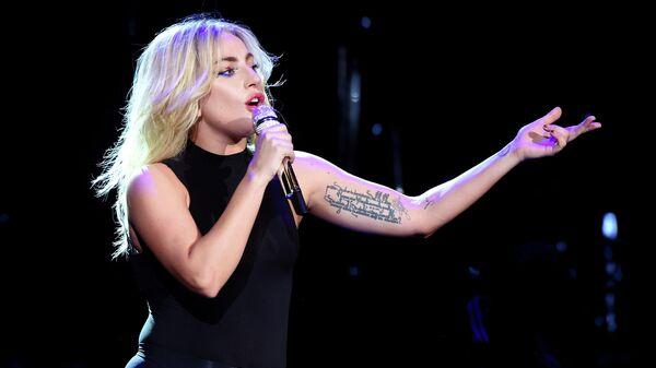 Леди Гага на фестивале музыки и искусств в долине Коачелла