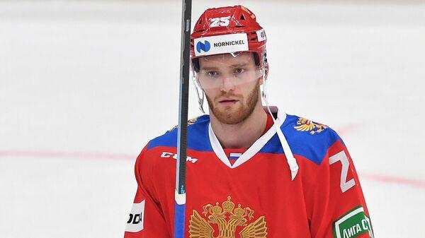 Хоккеист Михаил Григоренко