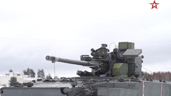 Испытания новейшей боевой машины Деривация попали на видео