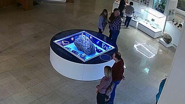 Видео самопроизвольного поднятия защитного купола над челябинским метеоритом