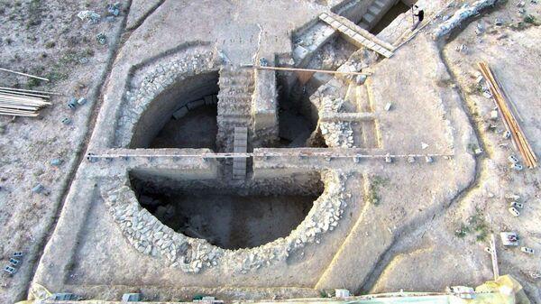 Раскопки гробницы бронзового века в Пилосе