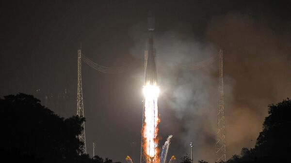 """Запуск """"Союза"""" с космодрома Куру перенесли на сутки, сообщил источник"""