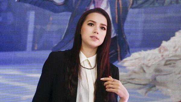 Алина Загитова на пресс-конференции, посвященной премьере мюзикла на льду Спящая красавица. Легенда двух королевств