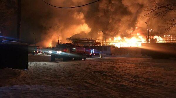 Пожар в Уфе на нефтеперерабатывающем предприятии Опытный завод Нефтехим, 22 декабря 2019