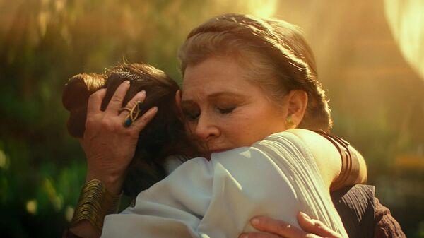 Кэрри Фишер в фильме Звёздные войны: Скайуокер. Восход