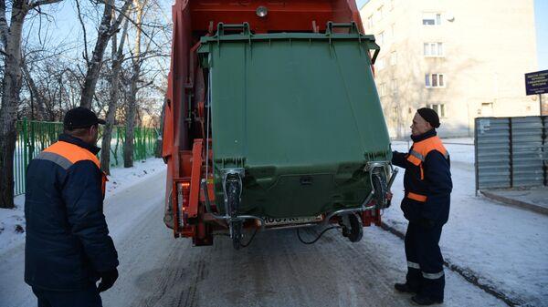 Вывоз отходов с контейнерной площадки на мусоросортировочный комплекс в Свердловской области