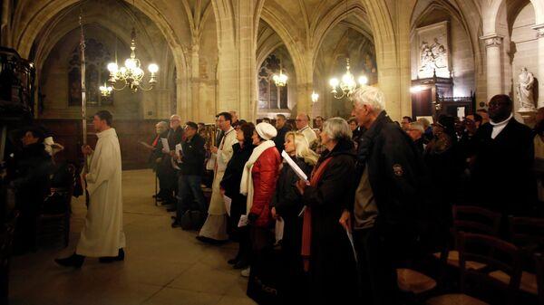 Рождественская месса в церкви Сен-Жермен-л'Аксерруа, Париж
