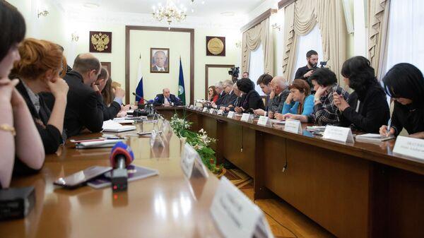 Глава КЧР Рашид Темрезов на встрече с представителями федеральных и региональных СМИ
