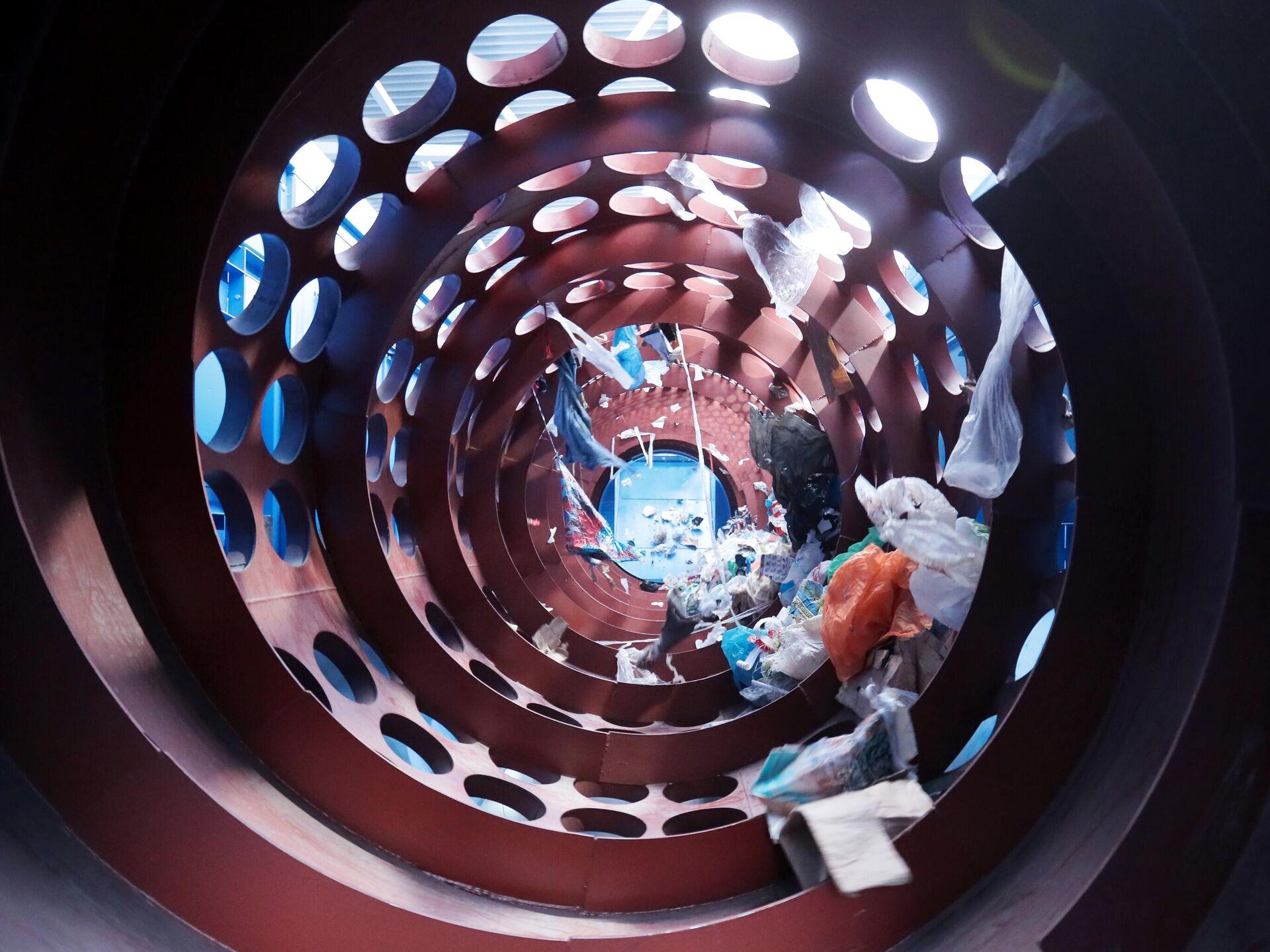 Сортировка мусора в комплексе по переработке отходов Восток в городском округе Егорьевск в Московской области - РИА Новости, 1920, 09.10.2020
