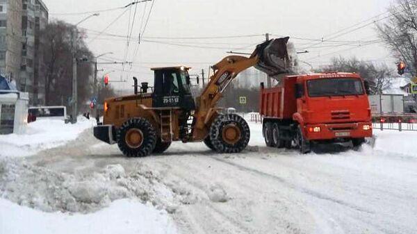 Уборка снега в Барнауле
