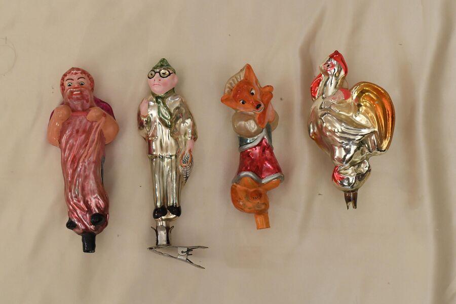 Фигурки из набора «Буратино», который так и не одобрил худсовет. Цена каждой — сто тысяч рублей.