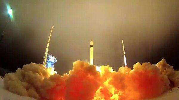 Запуск ракеты Рокот с украинскими компонентами с космодрома Плесецк в Архангельской области. Стоп-кадр видео, предоставленного Министерством обороны