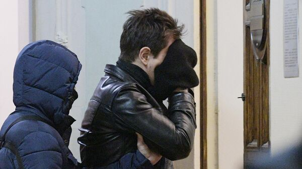 Подозреваемый в подготовке теракта в Санкт-Петербурге в Дзержинском районном суде
