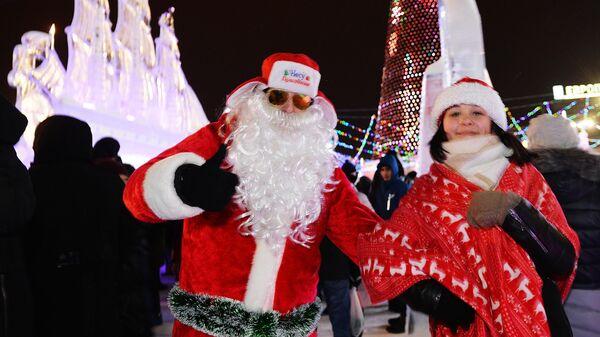 Жители Екатеринбурга празднуют Новый год