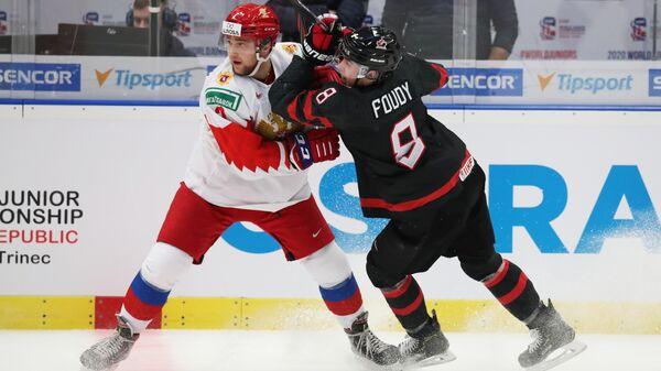 Хоккеисты Александр Хованов и Лиам Фуди