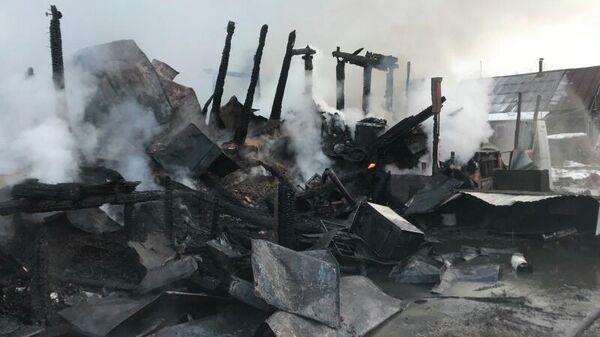 Последствия пожара в поселке Память Парижской Коммуны в Борском городском округе