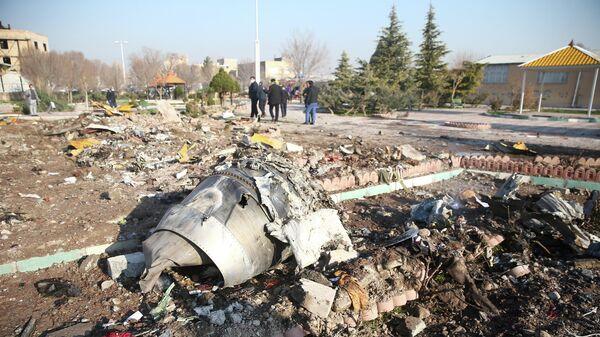Обломок самолета авиакомпании Международные Авиалинии Украины, который разбился после взлета из иранского аэропорта Имама Хомейни. 8 января 2020