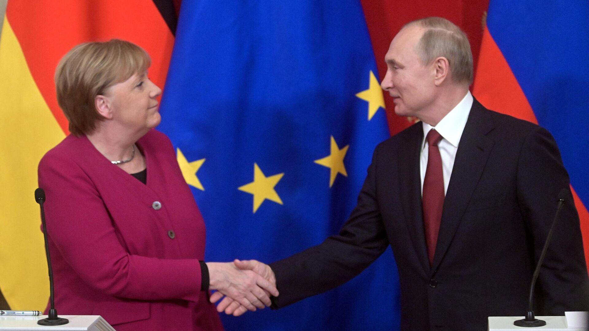 Политолог рассказал об ожиданиях от встречи Путина с Меркель