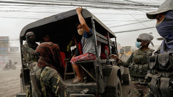 Эвакуация жителей Батангаса в Филиппинах. 13 января 2020